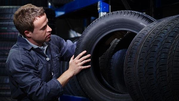 Bridgestone Adopts English as Official Language
